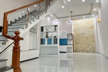 Bán nhà đường Lê Văn Chí, Linh Trung, Thủ Đức. Nhà 74m2, ngang 4.7m, nhà 4 lầu, giá 7.35 tỷ
