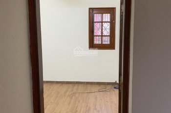 Chính chủ cho thuê nhà mặt phố Cầu Giấy, 5 tầng, 550m2, 0988095174