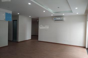 Bán cắt lỗ căn 3PN 133 m2 tầng trung, full đồ nội thất, đơn giá chỉ 27 triệu/m2 tại Epic's Home