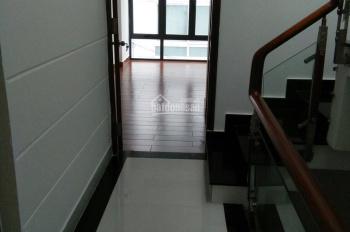 Cần tiền kinh doanh nên bán gấp nhà 330/Lê Hồng Phong, quận 10