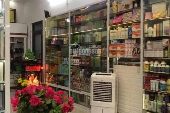 Chính chủ cần bán nhà 2 mặt tiền đường Nguyễn Hoàng. Liên hệ: 0901691796