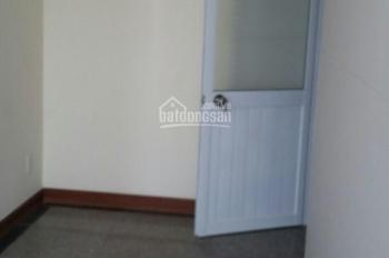 cho thuê phòng rộng 12m2 giá 2tr/th, trong chung cư hoàng anh gold house- 0972064346