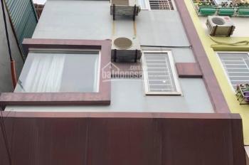 Nhà mới đẹp Lạc Long Quân Ngõ thông DT 47m 5T MT 4.3m giá chỉ 2.7 tỷ.