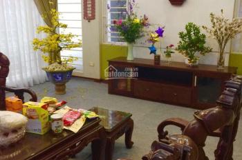 Bán gấp nhà phân lô ngõ 97 Văn Cao, ô tô vào nhà, 3 mặt thoáng, Dt 45m2x5t. Giá 7,2 tỷ