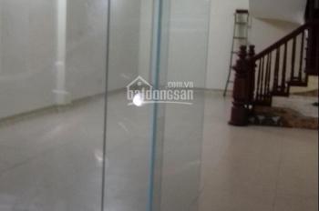 Cho thuê nhà phố Đặng Thùy Trâm - Dịch Vọng Hậu, DT 60m2 x 6T, giá 28 triệu/th nhà đẹp