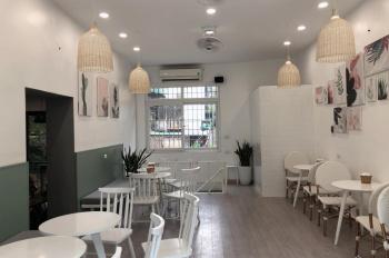 Cửa hàng tầng 1 nhà mặt phố Ngõ Huyện, Hoàn Kiếm, DT 18m2, MT 4m, giá siêu rẻ. LH 0948435258