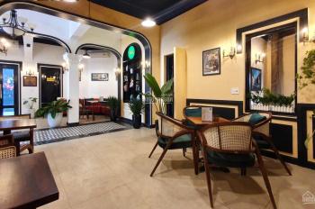 Xanh mát, mặt phố Nguyễn Du 80 m2 x 5 tầng, mặt tiền 4.5 m, giá thuê 70 triệu/tháng, LH 0986226607