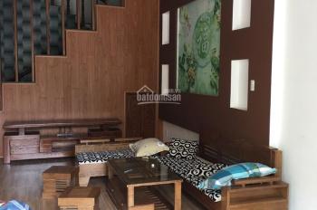 Bán nhà đẹp 2 tầng mặt tiền đường Nguyễn Huy Lượng