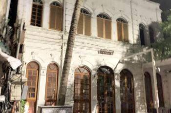 Cho thuê nhà phố Phùng Hưng -140m2*2 tầng mặt tiền 8m