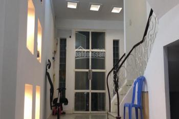 Cho thuê nhà hẻm HXM, 4x8.5m, 2 tầng, Lê Thánh Tôn, Q. 1, 35tr/tháng