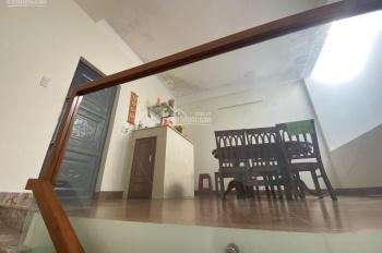 Bán nhà 3 tầng mt Trần Cao Vân, kẹp kiệt bên cạnh, Thanh Khê, giá rẻ chỉ 4.8 tỷ - 0934907635