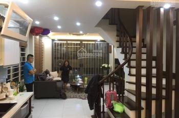 Bán nhà ngõ 72 Tôn Thất Tùng, 32m2x5tầng, MT 4m, gần nhà có sân để được 20 ôtô 2.7 tỷ LH 0853266688