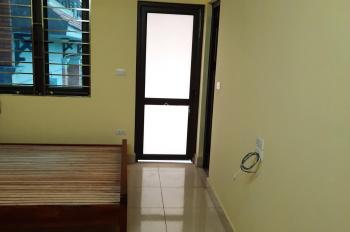 Căn hộ gia đình mới xây, có thang máy (chính chủ cho thuê)