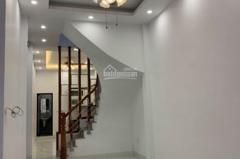 Chủ cần tiền gấp bán nhanh trong 5 ngày nhà ngõ 22 Tôn Thất Tùng 38m2 xây 3 tầng nội thất đầy đủ