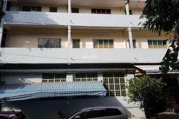 Cho thuê nhà mặt tiền Nguyễn Chí Thanh, Q 10