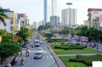 Cho thuê nhà 5 tầng ngõ 118 Đào Tấn, quận Ba Đình, ô tô đỗ cửa, giá covid 7 triệu/tháng