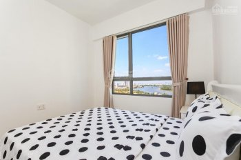 Bán căn hộ 2 pn  tháp T5 pn cả 2 pn và phòng khách đều view sông , ban công phòng khách