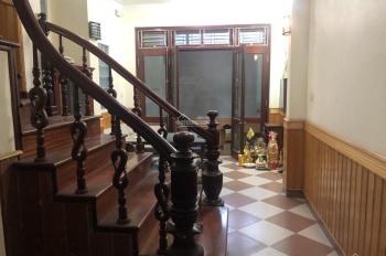 Cho thuê nhà riêng ngõ 409 Kim Mã, quận Ba Đình, gần ngay Lotte, nhà mới đẹp, giá siêu rẻ 13tr/th