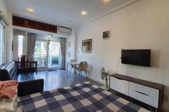 Cho thuê căn hộ dịch vụ 1 phòng ngủ đường Trần Đình Xu, Quận 1, có bếp, giá thuê: 8.5 triệu/tháng