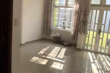 Cần cho thuê nhà HXH đường Phan Văn Hân, P17, Quận Bình Thạnh, DT: 4x14m, 1 lầu, giá: 15 tr/th