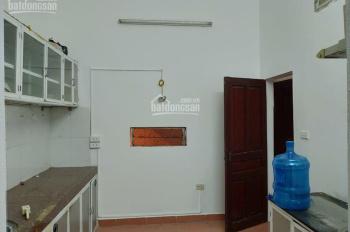 Cho thuê nhà riêng phố Cù Chính Lan, Thanh Xuân. 50m2 x 3 tầng. LH: 093 7682699
