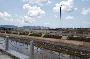 Bán gấp lô đất Marine City diện tích 100m2, vị trí đẹp sát bờ sông giá 1,250 tỷ, LH 0909 503 478