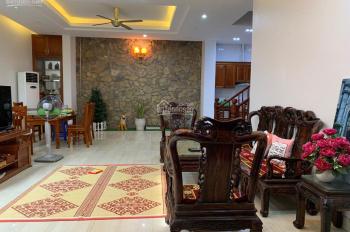 Cho thuê nhà ở Phố Văn Cao, DT: 110m2 x 4T, MT: 10m, đủ điều hòa, sàn gỗ GT: 28tr, LH: 0961258140