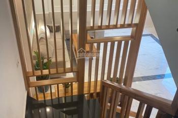 Cần bán nhà 3 tầng ngõ phố Vũ Hựu, phường Thanh Bình, DT 50m2, MT 5m, giá 1tỷ695tr. Alo 0904469345
