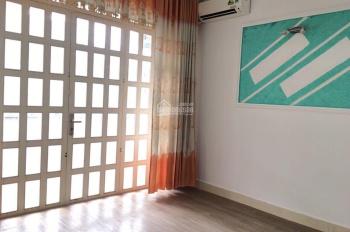 Bán căn hộ A2 Phan xích Long 67m2 2PN 1WC ban công. Nhà mới vào ở ngay giá 2,85 tỷ