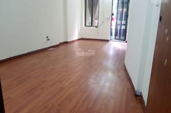 Chính chủ cho thuê nhà MP Tây Sơn, 35m2 x 3.5 tầng mặt tiền 3m, vừa KD vừa để ở giá 26tr/th