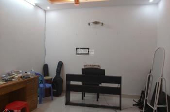 Bán căn hộ A2 Phan Xích Long, P7, Phú Nhuận, 67m2 2PN nhà mới NT cao cấp, 2.6 tỷ tặng hết nội thất