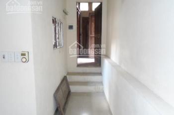 Cho thuê căn hộ pháp cổ tầng 3 phố Hàng Ngang, Hàng Đào