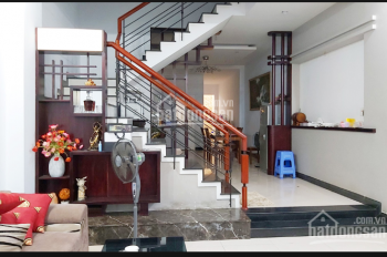 Cho thuê nhà mặt tiền đường Lê Đình Lý, 99m2 x 3 tầng