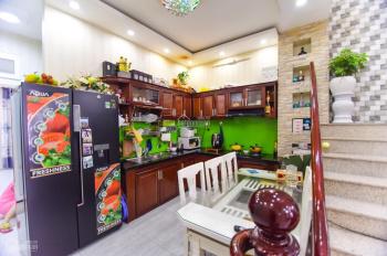 Bán nhà 2 tầng đường Ngyễn Hoàng vị trí đẹp. LH 0899959545