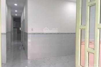 Cho thuê nhà cấp 4 hẻm xe tải ngay cầu Rạch Lăng, đường Phạm Văn Đồng, phường 11, quận Bình Thạnh