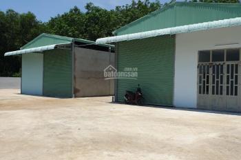 Nhà xưởng xã Tân An hội, Củ Chi. Tổng DT 1362m2 có 990m2 thổ cư, khu dân cư đường 8m