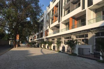 Chính chủ cho thuê nhà 3 mặt phố Đức Giang, nhà xây 5 tầng, có hố thang máy, xem nhà 24/7