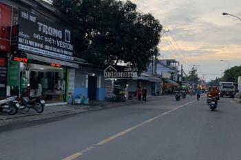 Cần bán nhà mặt tiền, 1 trệt 2 lầu có sẵn 21 nhà trọ đang cho thuê ngay chợ Việt Lập