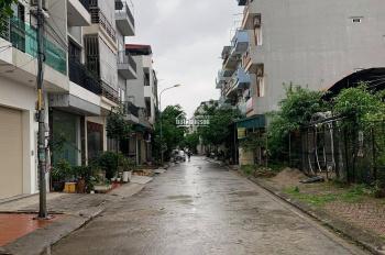 Cần cho thuê nhà khu đất đấu giá Vạn Phúc, 65m2, 4 tầng, giá thuê: 13 tr/tháng. LH 0949170979