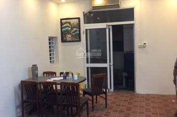 Cho thuê nhà ngõ xe tải 109, Long Biên, HN, DT 72m2 x 3T, giá 10.5tr/th