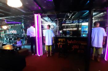 Sang gấp nguyên mặt tiền quán bar Bùi Viện chỉ 100 triệu bao gồm đủ nội thất, giấy phép