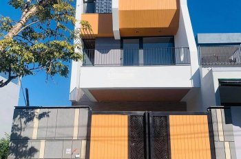 Nhà phố MT đường Thanh Lương 21, P. Hoà Xuân, Cẩm Lệ, Đà Nẵng, 1 trệt, 3 lầu, giá 5.7 tỷ