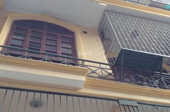 Nhà nguyên căn phố Vương Thừa Vũ DTSD 240m2 4PN 16tr/th. LH 0375995653