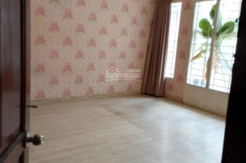 Cho thuê nhà 2MT Bạch Đằng, P. 2, Tân Bình khu sân bay 5x16m NH 8m 8PN 8WC