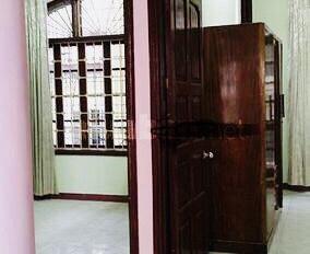 Cho thuê nhà ngõ Vương Thừa Vũ, quận Thanh Xuân, gần ngay mặt phố Trường Chinh, DT: 65m2 x 4 tầng