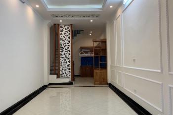 Cần bán căn nhà phố Vĩnh Tuy, Hai Bà Trưng, DT 34m2 x 5 tầng mới, cách mặt phố đúng 5m, giá 3.4 tỷ