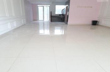 Cho thuê nhà KDC Him Lam Kênh Tẻ, 5x20m 1 hầm 4 lầu MT đường D1-35m, giá 60tr thương lượng