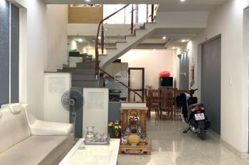 Cần bán gấp căn nhà 3 tầng, 45m2, hướng Đông Nam, ô tô đỗ cách nhà 15m, giá chỉ 1.78 tỷ