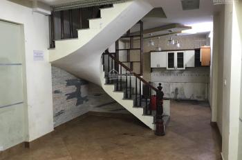 Cho thuê cả nhà hoặc tầng riêng lẻ 50m2, 5T, mặt phố Quan Nhân