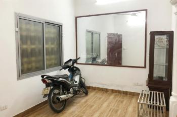 Nhà 4 tầng x 30m2 Đê Tô Hoàng, Bạch Mai, 2PN